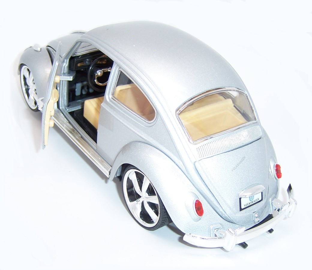 Classic Beetle Car 118 DC